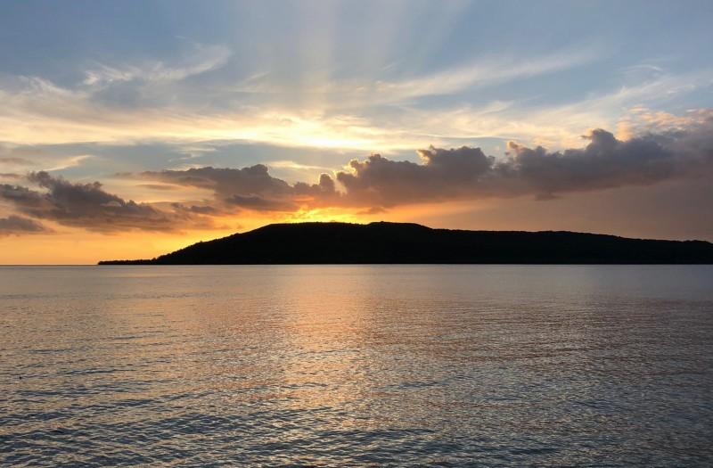 teouma_bay_vanuatu_sunset